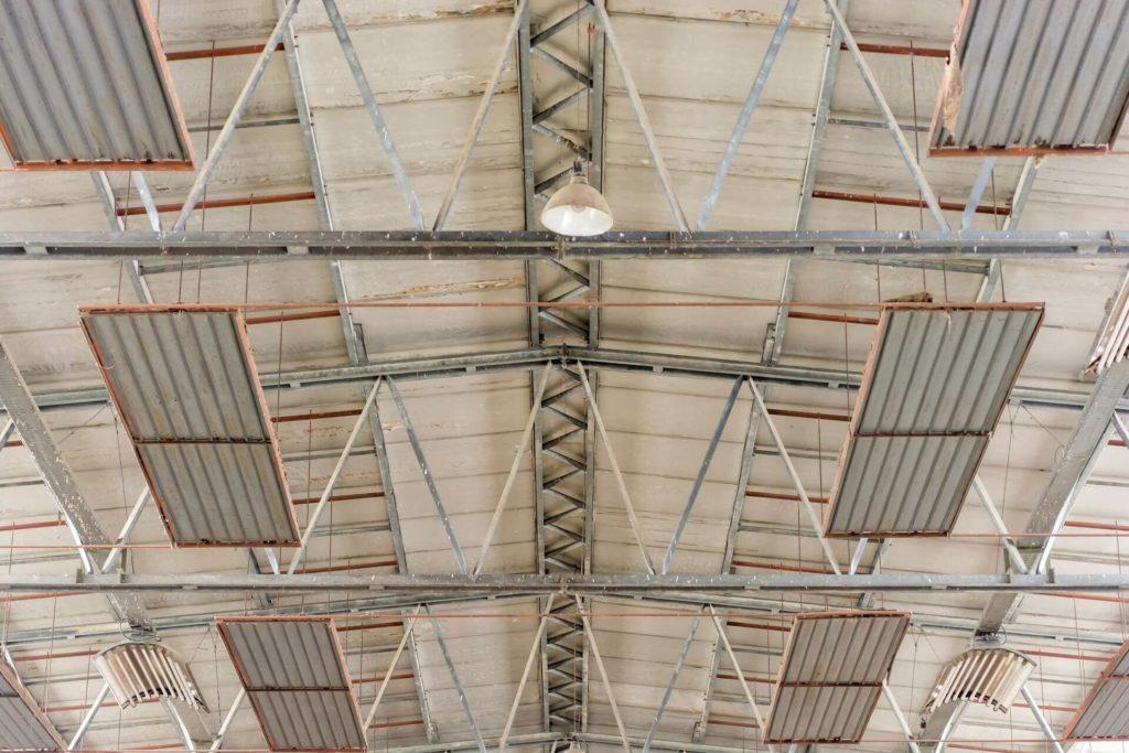Sistemi di riscaldamento per capannoni industriali a for Pannelli radianti infrarossi portatili